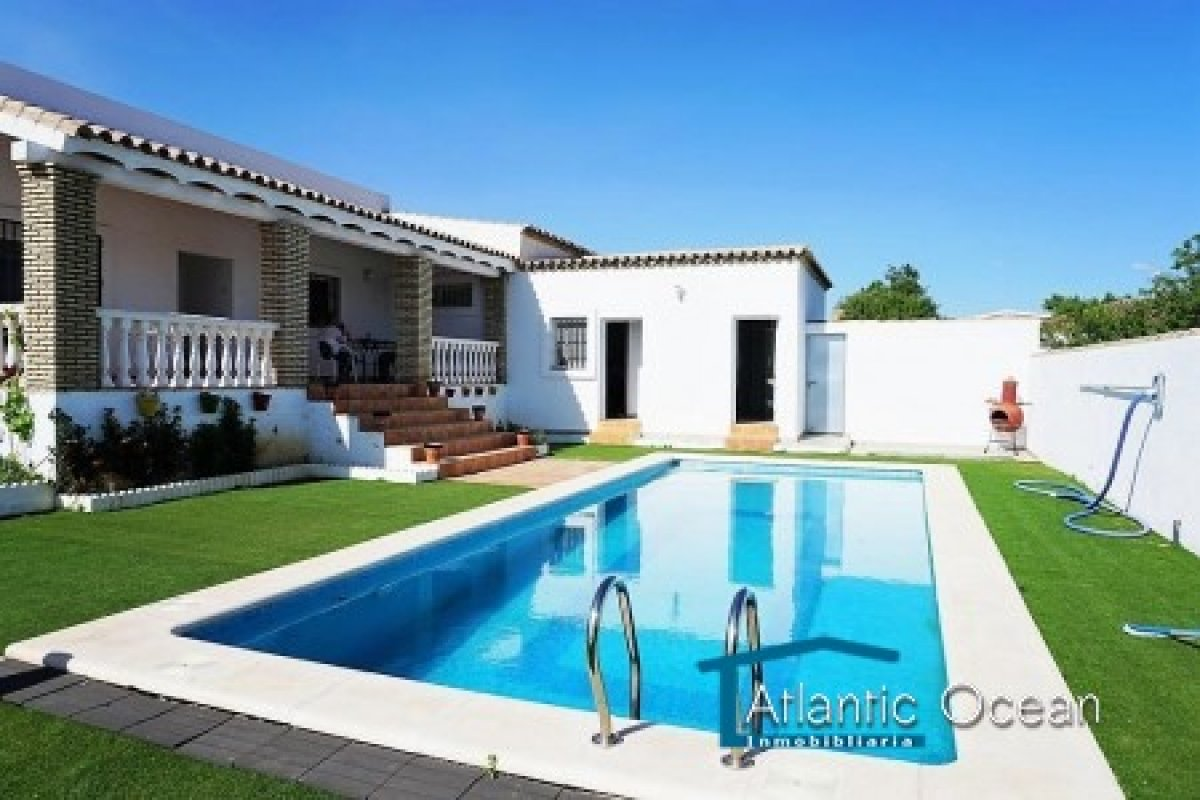 2240 - Foto - Alquilar Villa Cádiz